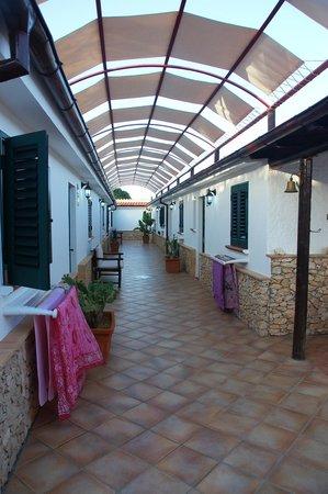 Agriturismo Resort Costa House: L' accesso alle camere