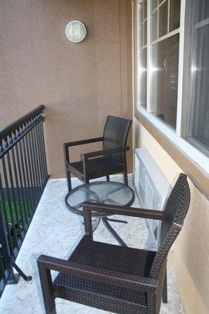 Prestige Lakeside Resort: lakeside patio from king room