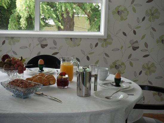 B&B Three One Three : Breakfast room