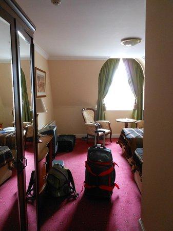 Dromhall Hotel: Room 310