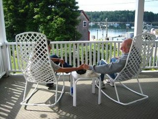 The East Wind Inn: Coffee on the Porch