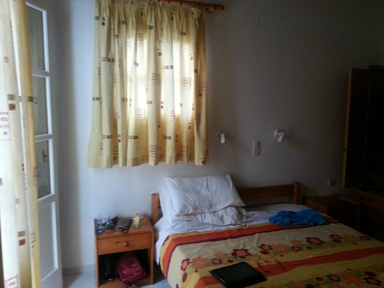 Anemos Hotel-Apartments & Studios: My room, so sunny and lovely