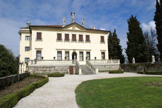 Villa Valmarana ai Nani: villa valmarana