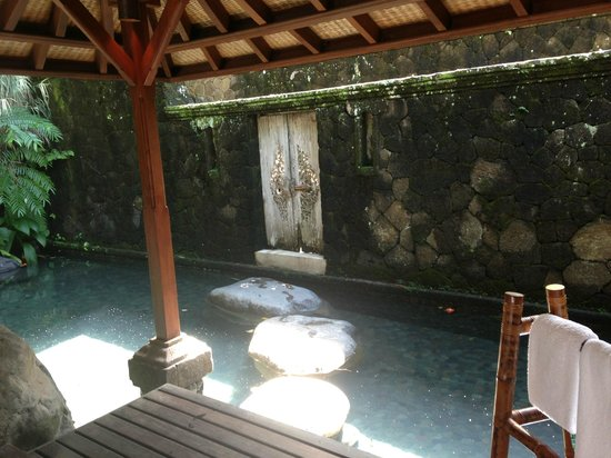 COMO Shambhala Estate, Bali: private garden next to room