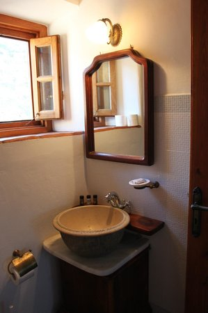 Theologos Houses : One of the toilets