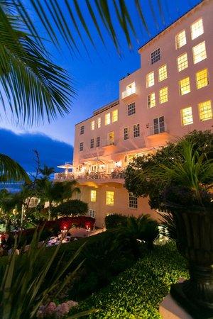 La Valencia Hotel: La Valencia dusk