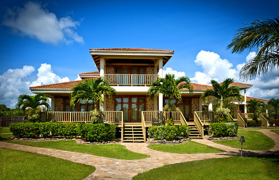 Hopkins Bay Resort : 3-Bedroom Beach House