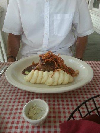 Riverhouse Grill : Beef Tenderloin