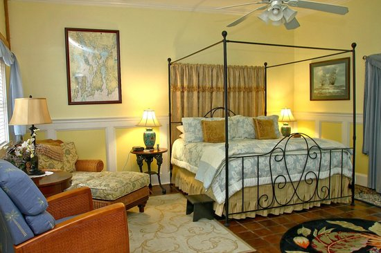 The Old Manse Inn: Admiral Suite