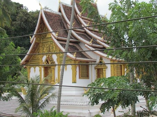 Rimwang Guesthouse: Royal Temple (view from Triple rooms)
