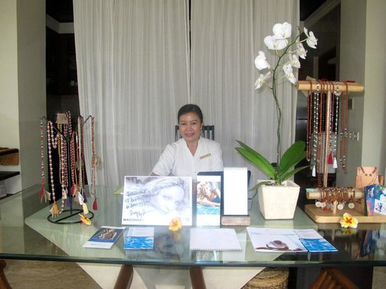 Karma Jimbaran: The lovely Balinese receptionist