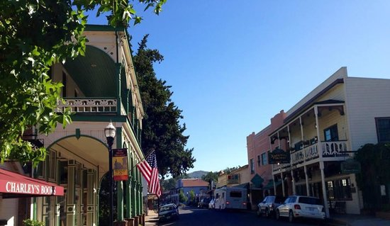 1859 Historic National Hotel: Street view