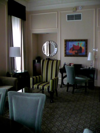 The Pfister Hotel: Governor's Suite