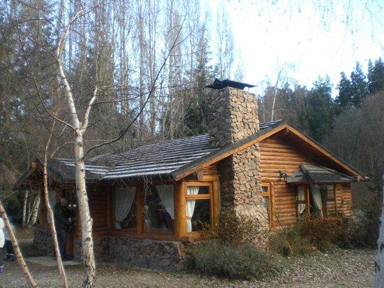 En El Corazon del Bosque: Uma das cabanas