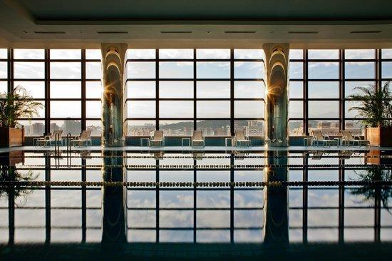 Ambassador Hotel Hsinchu: Indoor Swimming Pool