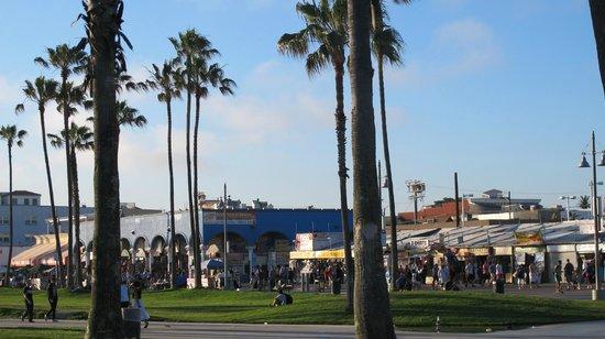 Venice On The Beach Hotel: The hub of Venice Beach