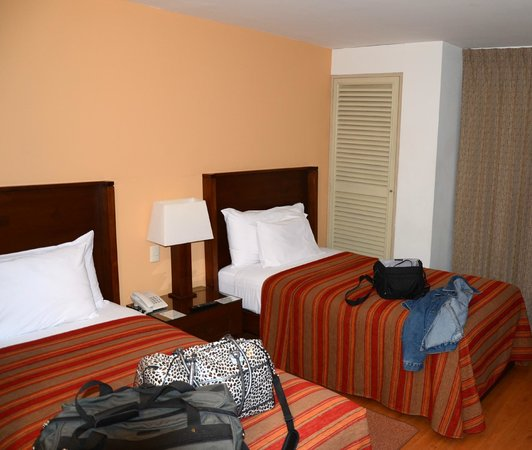 San Agustin Exclusive: Our Room - Two Single Beds