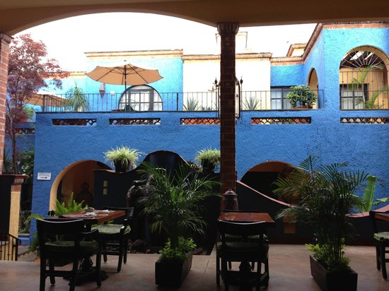 La Villa del Ensueno Hotel : The courtyard area