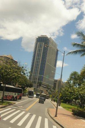 Trump International Hotel Waikiki: ホテル外観