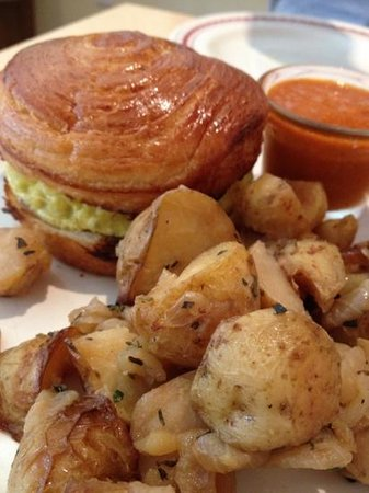 frittata breakfast sandwich with potatoes - Picture of La ...