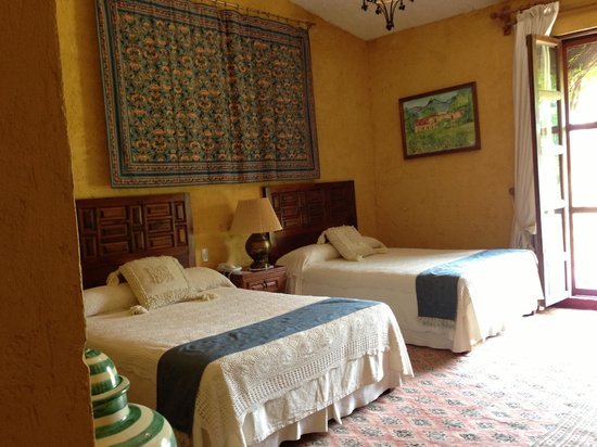 Hacienda El Carmen Hotel & Spa: Our room was decorated wonderfully