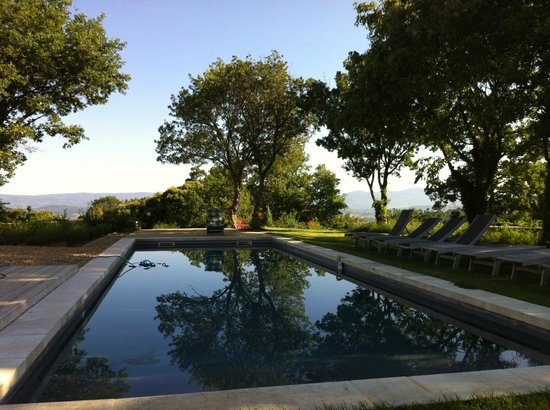 Bonnieux, France : Pool Area