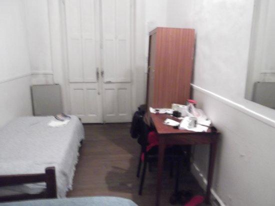 Hotel Bolivar: Inside the room.