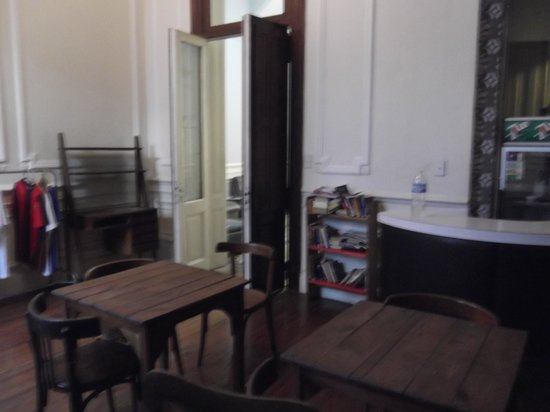 Hotel Bolivar: Another view of the room for meals.