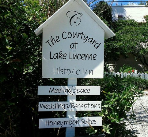 The Courtyard at Lake Lucerne: Sign for the property