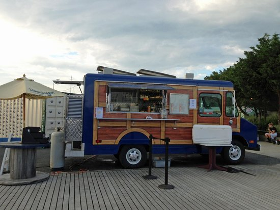 Scales Grill & Deck Bar: The Scales Woody Wagon