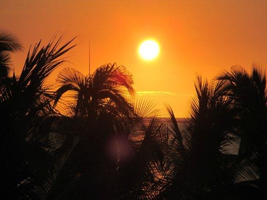 Royal Kona Resort: sunset