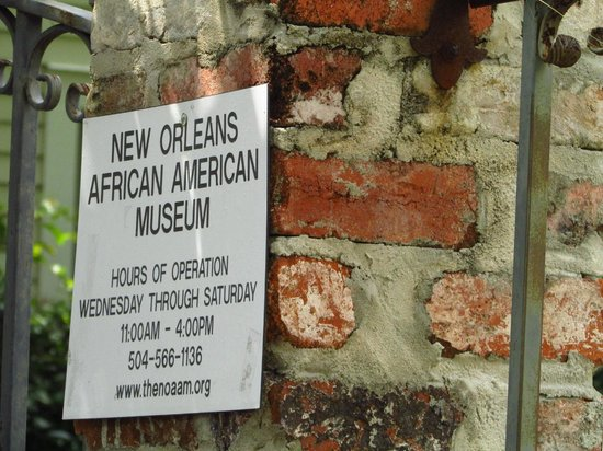 New Orleans African-American Museum: museum plaque