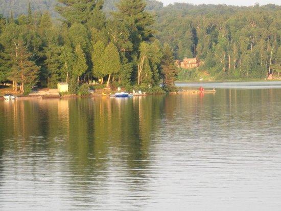 Blue Spruce Resort: Lake