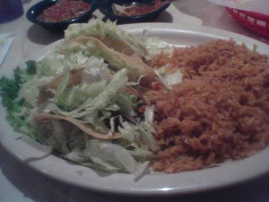 Chuy's : Beef tacos with double rice