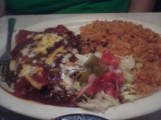 Chuy's: Beef enchiladas with double rice