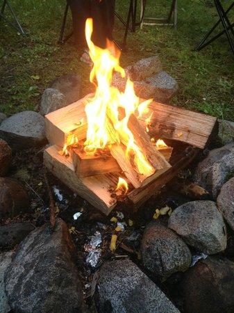 Mussel Beach Campground: Campfire