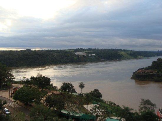 Amerian Portal del Iguazu: Frontera Paraguay