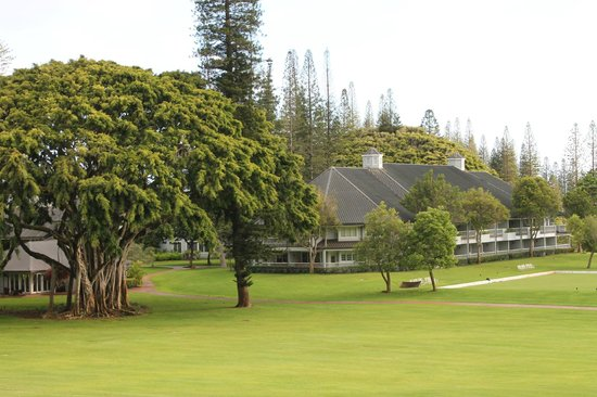 Four Seasons Resort Lana'i, The Lodge at Koele: view of hotel walking back from golf course