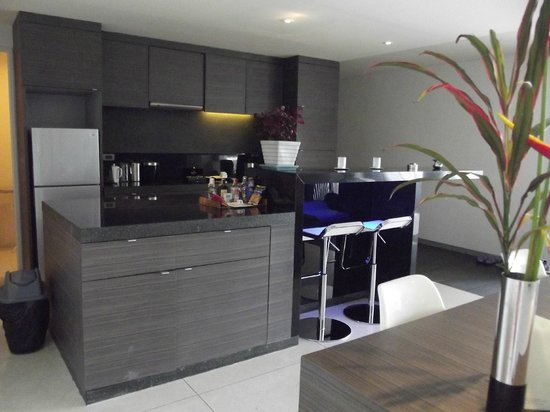 Infinity Residences & Resort Koh Samui: Full kitchen - I could live here!