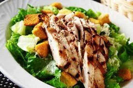 Natalie's Family Restaurant: Chicken caesar salad