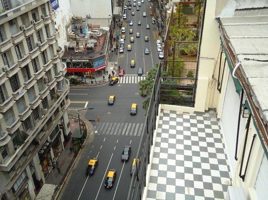 Wilton Hotel: Vista desde la Terraza hacia calle Sta Fé