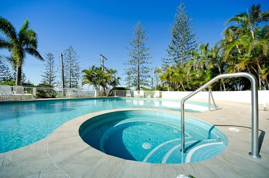 Crystal Bay on the Broadwater : Heated Spa & Pool