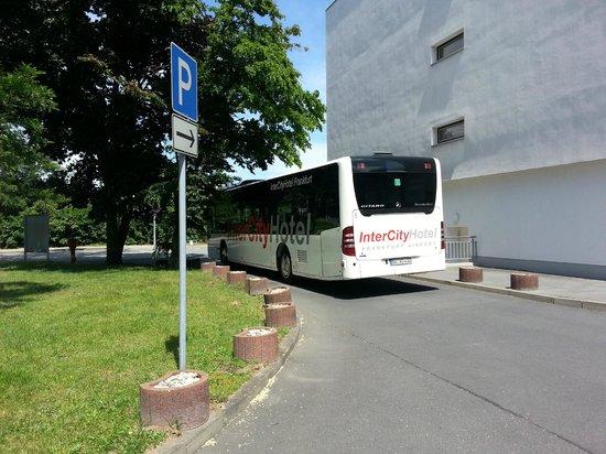 Shuttle Service Picture Of Intercityhotel Frankfurt