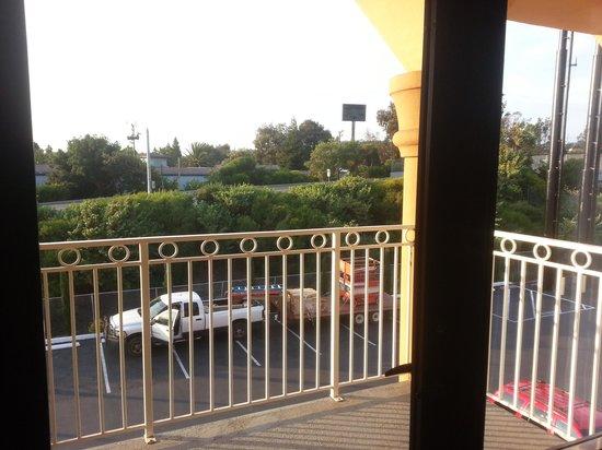 Super 8 Vallejo/Napa Valley: Private Balcony