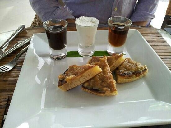 Dhevatara Beach Hotel : Banana pancake, breakfast served