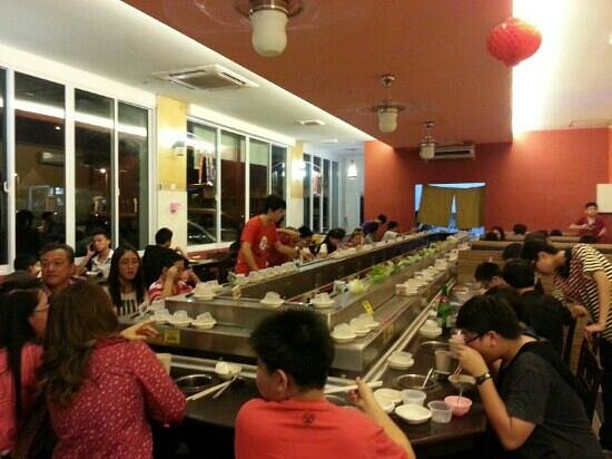 Sasa Rolling Shabu-Shabu: really got a lot customers!!^^ is a nice & great place to gathering! !♥