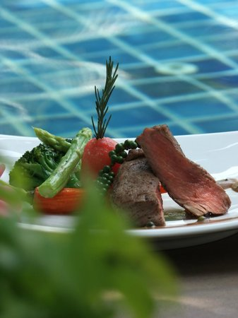 Baan Yuree Resort  and  Spa: Food