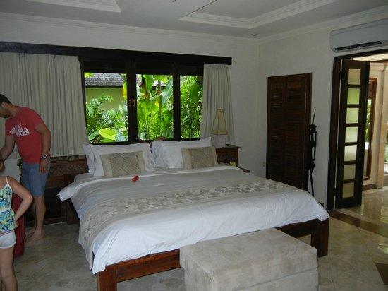 Hotel Vila Lumbung : Downstairs Bungalow Main bedroom