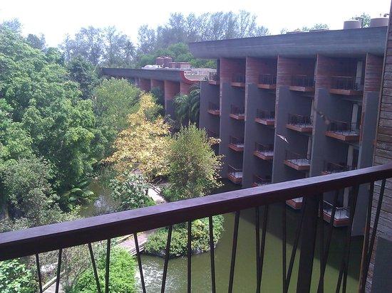 Renaissance Phuket Resort & Spa: balcony 2