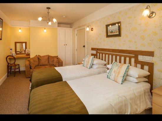 The George Inn, Blackawton: Room 3 - double, twin or family configurable